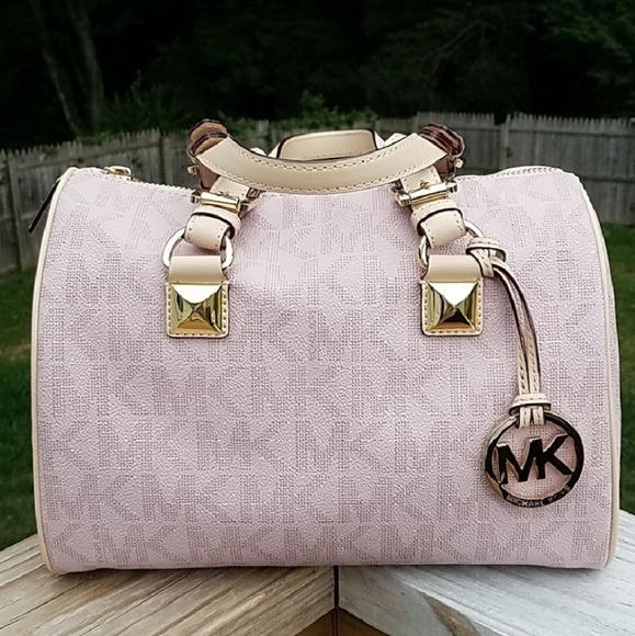 4fe0ed1b6 Michael Kors Bags | Pink Signature Grayson | Poshmark